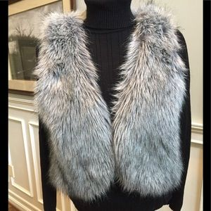Kenneth Cole Faux fur vest